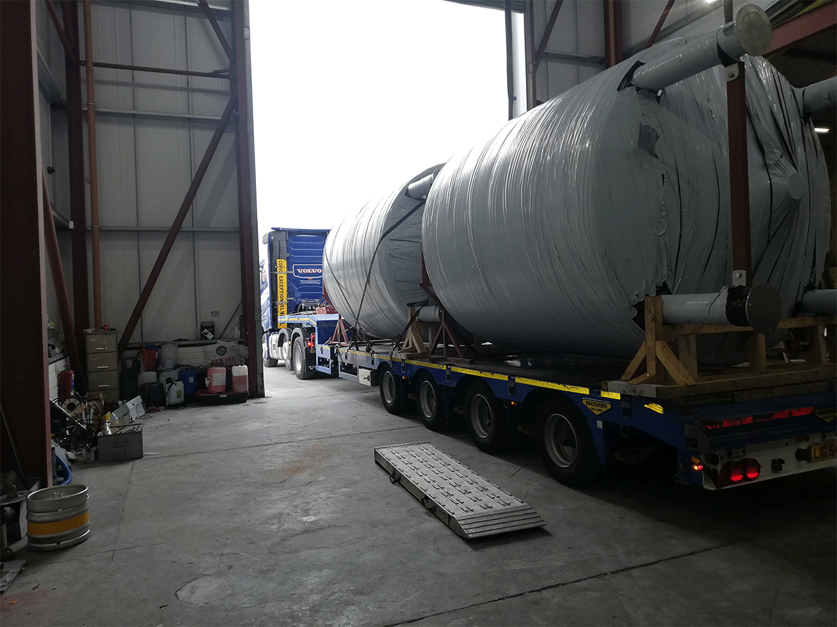 delivery of storage tanks
