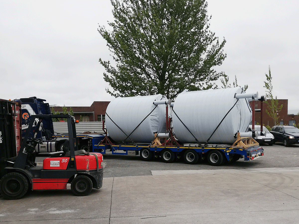 stainless steel storage tanks ready for road